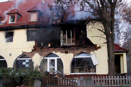 <p> Das Haus im Zwickauer Stadtteil Weißenborn war explodiert und anschließend ausgebrannt.</p>