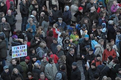 <p> Tausende Menschen setzten ein Zeichen gegen Rechts.</p>