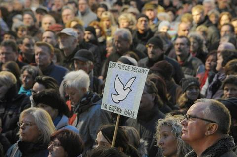 """<p> """"Der Friede beginnt im eigenen Haus"""" - diese Botschaft ging auch an die Adresse derer, die das Gedenken an die Bombardierung der Stadt missbrauchen wollten.</p>"""