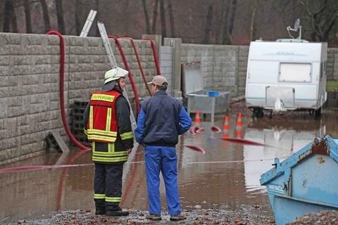 <p> Grund für die Überflutung war offenbar ein Schacht, durch den das Wasser eigentlich hätte abgeleitet werden sollen.</p>