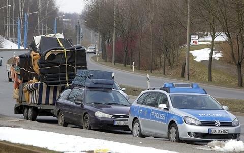 <p> Ein ungewöhnlicher Transport wurde am Montag von einer Polizeistreife auf dem Südring/Ecke Wolgograder Allee in Chemnitz gestoppt.</p>