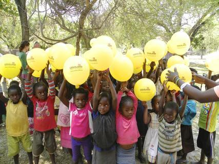 <p> Die Vorschul-Kinder sagen Danke für die schöne Geburtstagsfeier und wünschen sich ein Wiedersehen mit mir im Oktober diesen Jahres.</p>