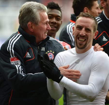 Mit der Blitz-Meisterschaft stellten die Münchner zugleich eine neue Bestmarke auf: Elf Siege nacheinander waren noch keinem Club in 50 Jahren Bundesliga innerhalb einer Saison gelungen.