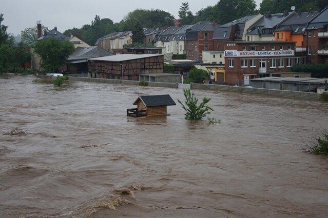 <p> Land unter an der Mulde in Wilkau-Haßlau. Die Situation erinnert bedenklich an 2002.</p>