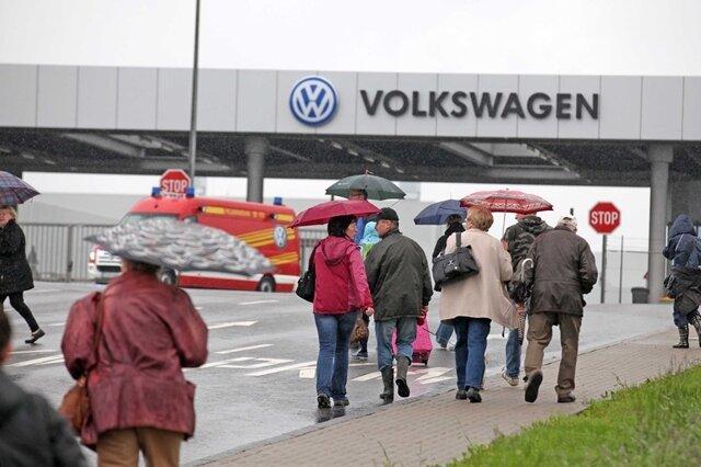 <p> 35 Menschen wurden die VW-Kantine gebracht.</p>