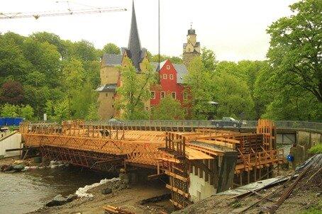 <p> Am Freitag stand sie noch: Die neue Überquerung nahe der Burg Stein bei Hartenstein.</p>