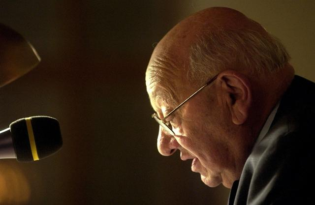 <p> Seine Eltern und die seiner Frau wurden Opfer des Holocaust. Reich-Ranicki starb am Mittwoch in Frankfurt im Alter von 93 Jahren.<br /> &nbsp;</p>