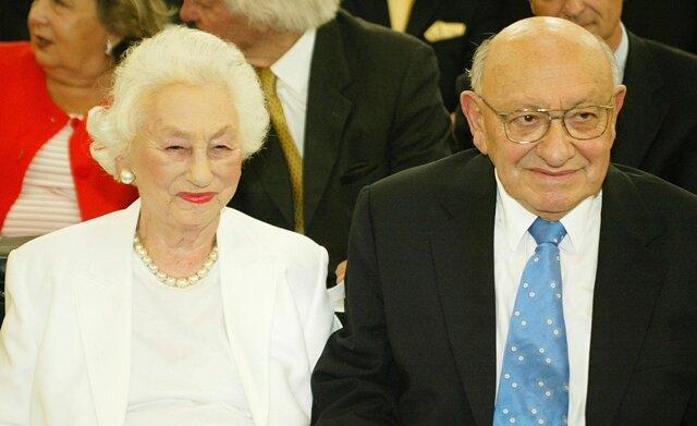 <p> Im Warschauer Ghetto gelang ihm 1943 mit seiner Frau Teofila (Tosia), die er dort geheiratet hatte, die Flucht.&nbsp;</p>