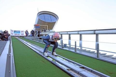 <p> Severin Freund auf dem Sprung - er landete am Ende auf Platz 4.</p>