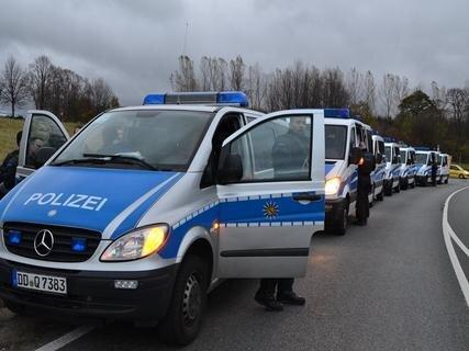 <p> Die Polizei war mit 300 Einsatzkräften vor Ort.</p>