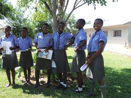 <p> Schüler der 10-klassigen Kayengonaschule</p>