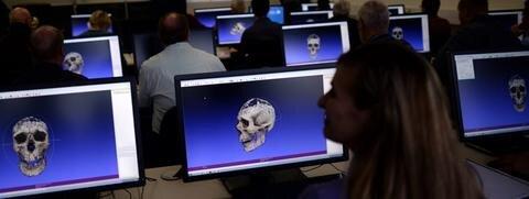 """<p> In den sechs Semestern des Studiengangs """"Allgemeine und Digitale Forensik"""" werden die Studenten ausgebildet, wie sie unter anderem digitale Spuren auf Datenträgern wie Festplatten aufspüren und auswerten oder Hackerangriffe auf Computer erkennen.</p>"""