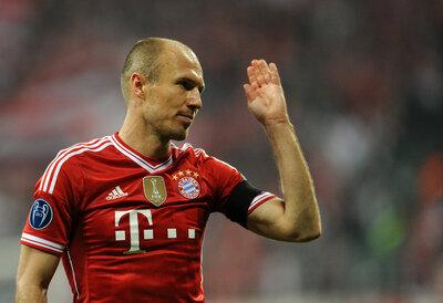 <p> Zum Abwinken: Robben hatte das Spiel abgehakt.</p>