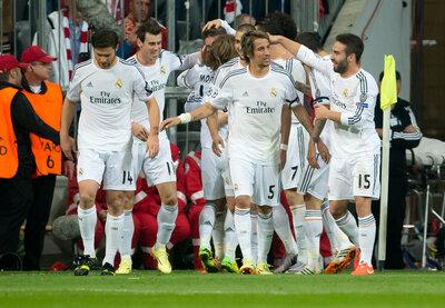 <p> Angel di Maria (von links), Gareth Bale, Daniel Carvajal, Torschütze Cristiano Ronaldo und Pepe von Madrid hatten die Bayern im Griff.</p>