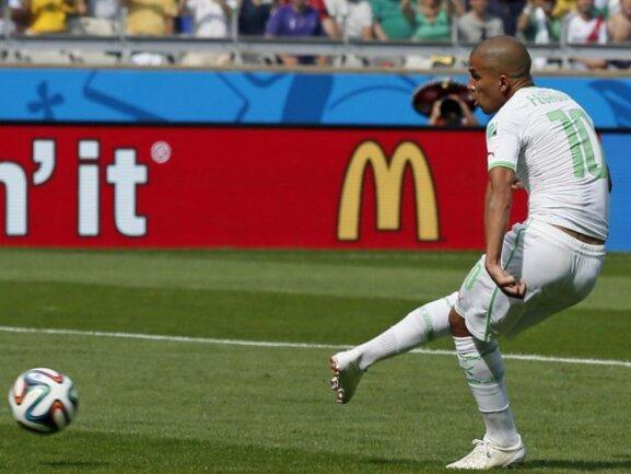 <p> Algeriens Starspieler Sofiane Feghouli erzielte das 1:0 für Algerien per Elfmeter. Foto: Dennis Sabangan<br /> 17.06.2014 (dpa)</p>