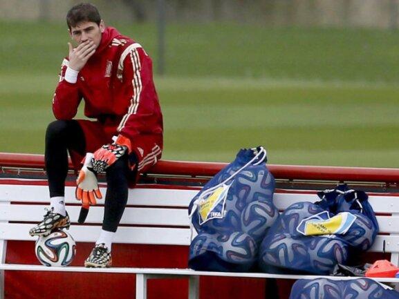 <p> Spaniens Torwart Iker Casillas ist auch zwei Tage nach dem WM-Aus die Enttäuschung noch ins Gesicht geschrieben. Foto:&nbsp;Juanjo Martin<br /> 20.06.2014 (dpa)</p>