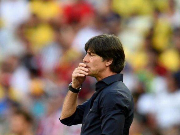<p> Die Anfangsphase des Ghana-Spiels schmeckte Bundestrainer Joachim Löw gar nicht. Foto: Georgi Licovski<br /> 21.06.2014 (dpa)</p>