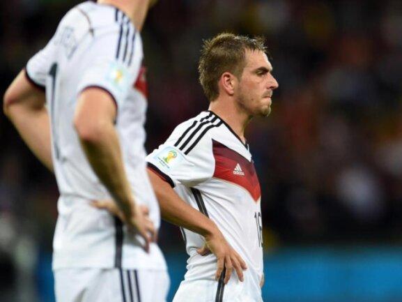 <b>Frust</b><br/>DFB-Kapitän Philipp Lahm ärgerte sich zwischenzeitlich über das schwache Auftreten der deutschen Nationalmannschaft im WM-Achtelfinale gegen Algerien. Foto:Andreas Gebert<br/>30.06.2014 (dpa)