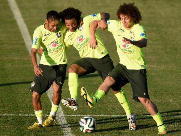 <b>Locker</b><br/>WM-Druck? Bei Neymar, Marcelo und David Luiz ist davon nichts zu sehen. Foto: Marius Becker<br/>03.07.2014 (dpa)