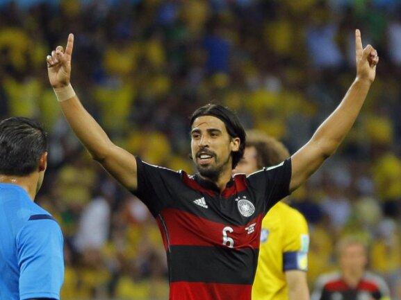 <b>5:0</b><br/>Sami Khedira macht das 5:0 und damit die Demütigung für den WM-Gastgeber zur Halbzeit perfekt. Foto: Robert Ghement<br/>08.07.2014 (dpa)