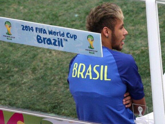 <b>Zuschauer</b><br/>Neymar nahm auf der Ersatzbank der Brasilianer Platz. Foto: Fernando Bizerra Jr<br/>12.07.2014 (dpa)