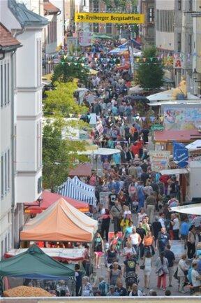 <p> Bis Sonntagnacht werden wieder weit mehr als 100.000 Gäste in der Freiberger Altstadt erwartet.</p>
