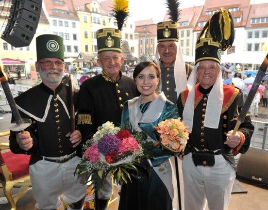 <p> Neue Bergstadtkönigin ist die 26-jährige Freibergerin Anne Schönfeld. &quot;Ich liebe meine Stadt&quot;, sagte die 26-Jährige.</p>