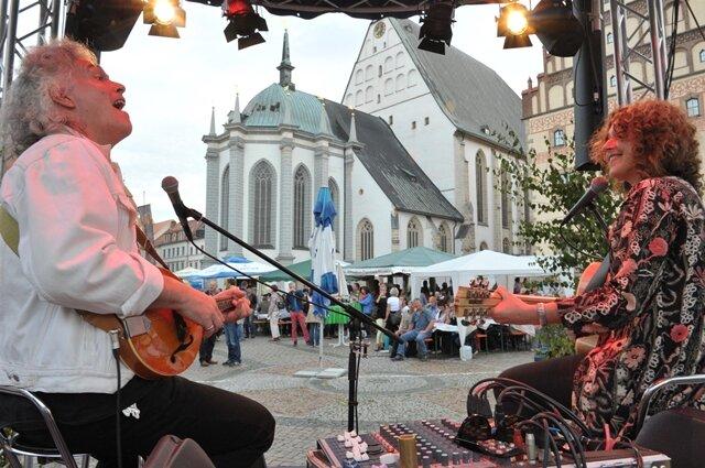 <p> Zu den Höhepunkten gehören das gestrige Konzert der Roten Gitarren, der heutige Auftritt von Stefanie Heinzmann und die Fete mit der Münchner Freiheit am Sonntag.</p>