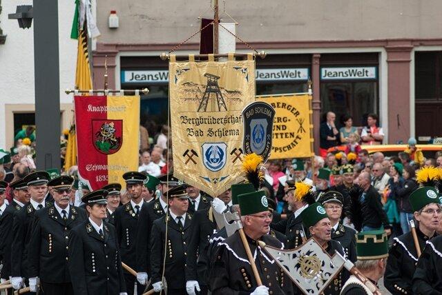 <p> Es folgen weitere Bilder der Bergparade...</p>