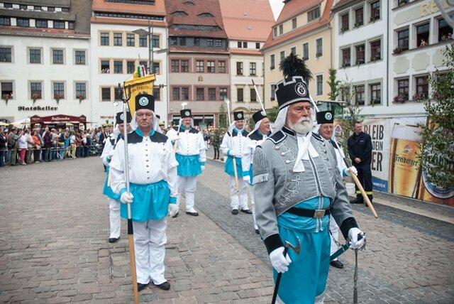 <p> Die große Aufwartung fand auf dem Freiberger Obermarkt statt, wo sich nochmal tausende Besucher zusammen fanden.</p>