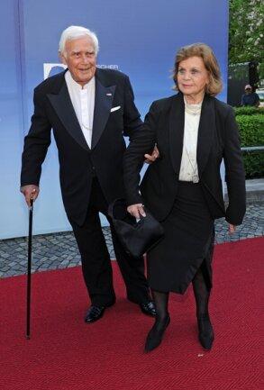 """<p> Joachim <span class=""""Query_Highlighted_Words"""">Fuchsberger</span> und seine Frau Gundula kommen am 04.05.2012 zur Verleihung des Bayerischen Fernsehpreises 2012 ins Prinzregententheater in München.</p>"""