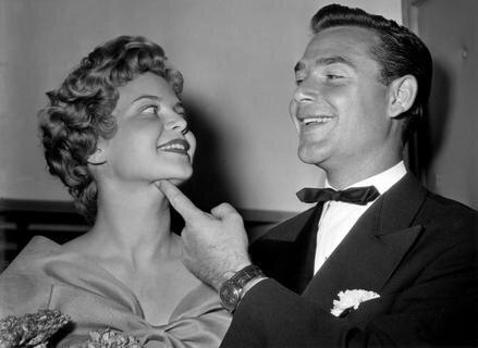 """<p> Joachim <span class=""""Query_Highlighted_Words"""">Fuchsberger</span> und seine Verlobte Gundula bei der Premiere des Films &quot;08/15&quot; 1954 in München.</p>"""