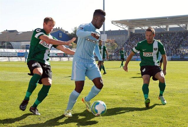 <p> Der Chemnitzer FC hat seinen Abwärtstrend in der 3. Fußball-Liga gestoppt. Die Sachsen setzten sich am 13. Spieltag gegen Preußen Münster mit 1:0 (0:0) durch.&nbsp;</p>