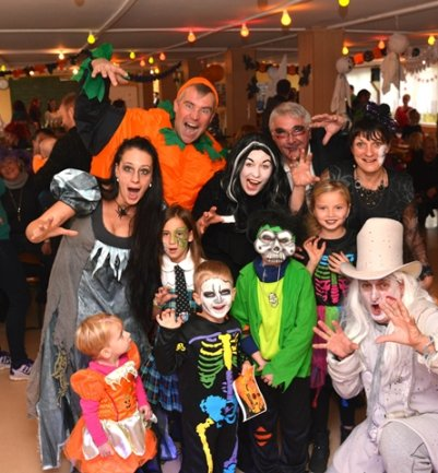 "<p> <span class=""Text"">Halloween-Party des FCP in Chursdorf.</span></p>"