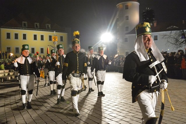 """<p> <span style=""""font-family: Calibri , sans-serif;"""">Am Samstag hat wieder die traditionelle Berg- und Hüttenparade in Freiberg stattgefunden. </span></p>"""