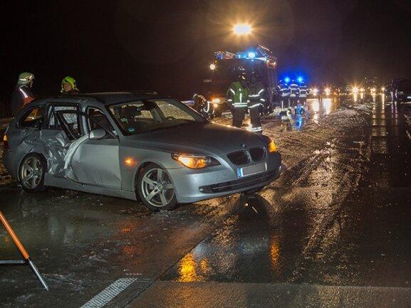 <p> Ein Fahrer war mit seinem Wagen ins Schleudern geraten und gegen ein anderes Auto geprallt.</p>