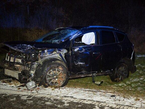 <p> Wenig später geriet ein 37-Jähriger mit seinem Fahrzeug von der Fahrbahn ab und stieß gegen einen Wegweiser.</p>