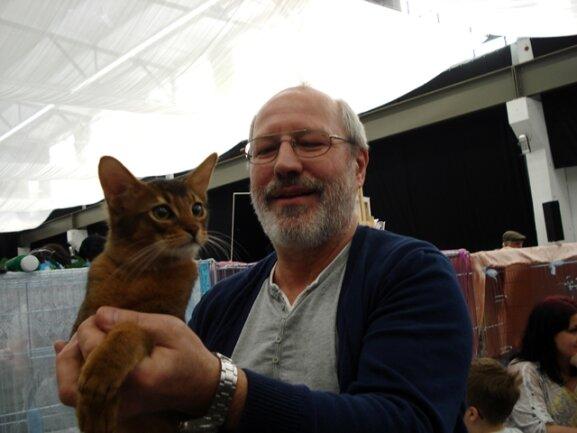 <p> Manfred Hinke (60) aus Großpösna züchtet seit 1994 Somalikatzen. Ab 2004 hat er die Rasse Abessinier mit aufgenommen.</p>