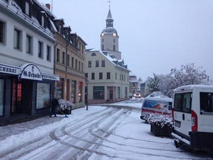 <p> In Meerane scheint der Schnee zunächst ein harmonisches Bild zu liefern, aber...</p>