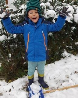 <p> Phil hatte heute früh schon viel Spaß im Schnee (in Lößnitz).</p>