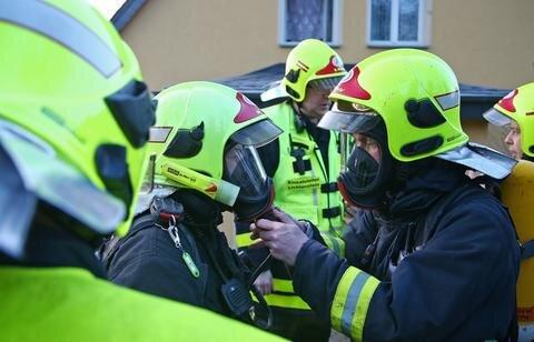 <p> Die Freiwillige Feuerwehr war mit einem Löschzug im Einsatz.</p>