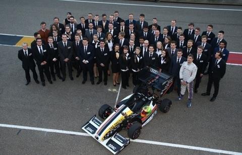 <p> Das erste Rennen startet im britischen Silverstone.</p>