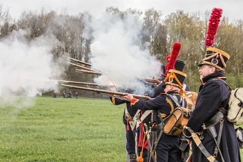 <p> Am 6. Oktober 1813 standen sich dort 7000 Franzosen und 5000 Österreicher gegenüber - wenige Tage vor der Völkerschlacht in Leipzig, bei der sich Napoleon Bonaparte den Truppen aus Österreich, Preußen, Russland und Schweden geschlagen geben musste.</p>