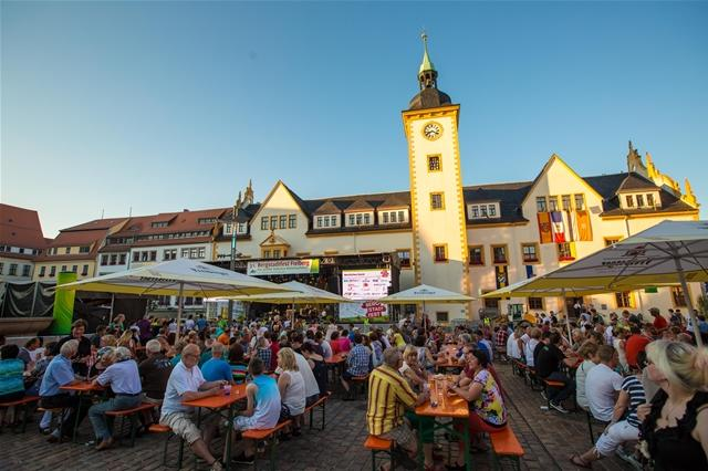 <p> Es folgen weitere Bilder vom Bergstadtfest...</p>