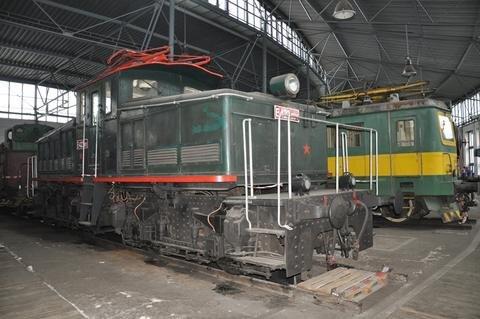 <p> Eine der ersten E-Loks, die in den 1920er-Jahren in der Tschechoslowakei gebaut wurden, um die Rauchbelastung durch die Dampfloks zu verringern.</p>