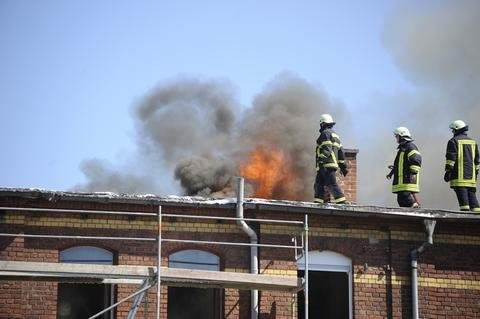 <p>Das Feuer war bei Reparaturarbeiten ausgebrochen.</p>