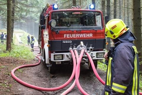<p>Teil der Übung war außerdem, aus der Talsperre eine sichere Wasserversorgung über eine längere Strecke aufzubauen.</p>