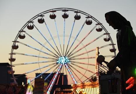 <p>Pflichtbestandteil beim Stadtfest: das Riesenrad.</p>