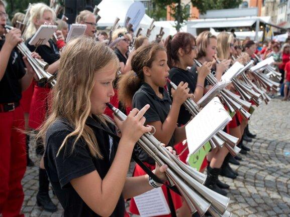 <p>Schallmeienmusik an der Regionalbühne</p>