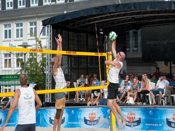 <p>Landesmeisterschaften im Beachvolleyball am Schwimmbad Limbomar&nbsp;</p>